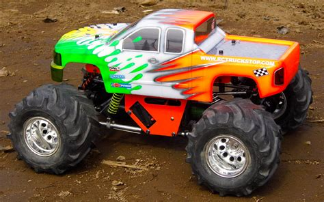monster truck race 1280px