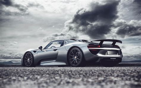 fastest porsche 918 what it s like to drive porsche s ultra fast and limited
