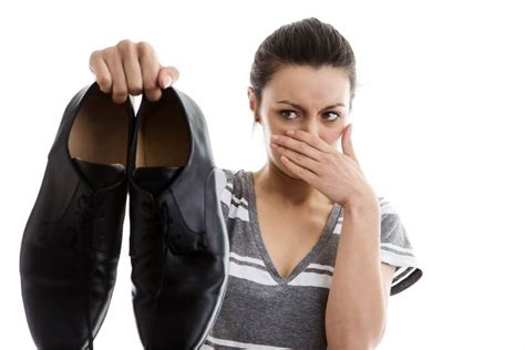 Best Smelling Shoo For Women | how to get rid of stinky feet safebee