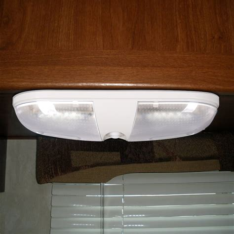 Rv Ceiling Lights 12 Volt Trailer Motorhome Cer Rv 12 Volt Interior Ceiling Dome Light Us Ebay