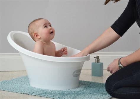 water backing up in bathtub the shnuggle bath comfort for bub reassurance for parents