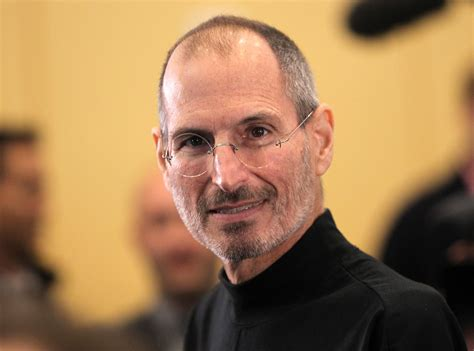 steve jobs biography book how many pages apple opens up to praise new book on steve jobs and