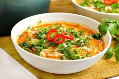 cuisine thailandaise poulet recette facile de soupe poulet et nouille 224 la tha 239 landaise