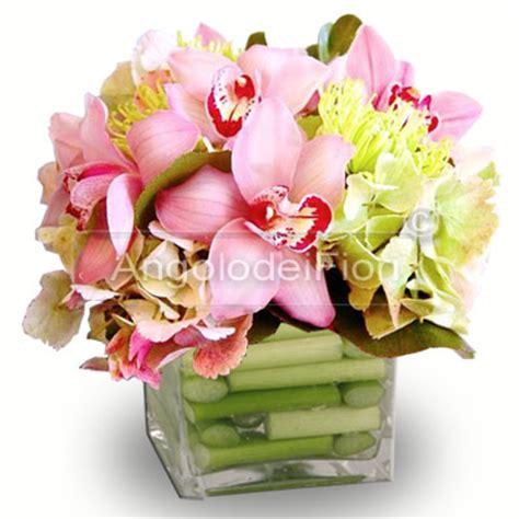 composizione vasi composizione di orchidee cymbidium rosa in vaso di vetro