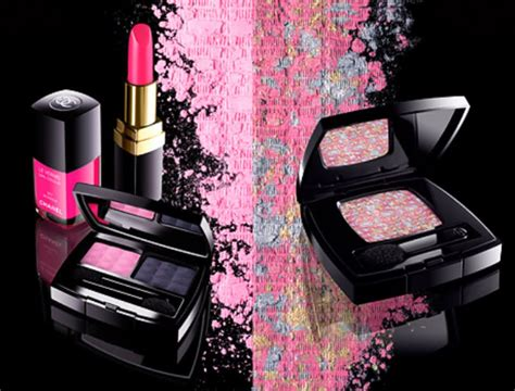 makeup wallpaper pinterest free makeup wallpaper chanel makeup background pretty