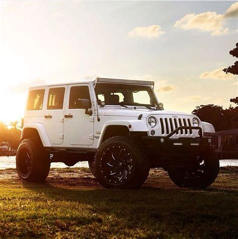 white jeep black rims lifted 25 best ideas about jeeps on jeep jeep