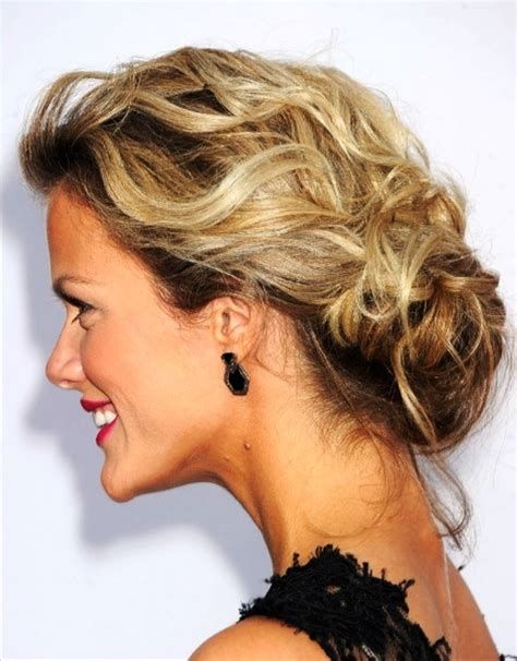 Wedding Hair Low Curly Bun by Low Curly Bun Updo 5 Updo Hairstyle Idea39s For