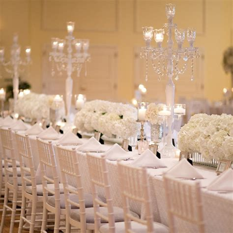 beautiful centerpieces 23 chic and beautiful wedding centerpiece ideas modwedding