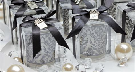 wedding reception favor ideas summer wedding favors pointers for planners