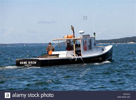 maine boats working lobster boat maine stock photo 63903878 alamy