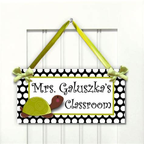 classroom door signs templates 25 unique name plates ideas on desk
