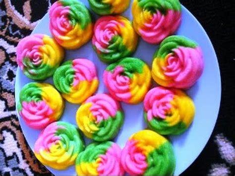 cara membuat bolu mawar cara membuat bolu kukus mawar dengan cetakan bunga youtube