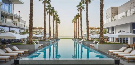 Which Hotel Has The Best Pool In Palm Springs Ca - five hotels resorts takes viceroy palm jumeirah