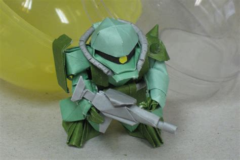 Robot Origami - mobile suit gundam robots folded out of paper