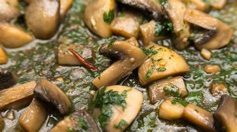 come cucinare i funghi come cucinare i funghi e conservarli i nostri consigli