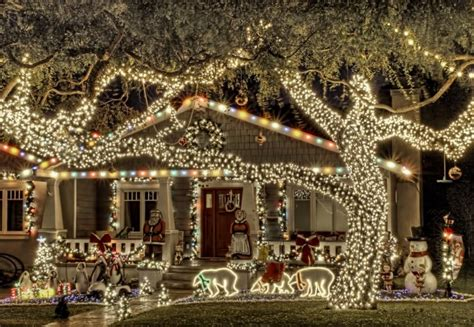 most beautiful christmas decorated homes クリスマス 街が輝きだす世界の美しいクリスマス風景25選 モッシュトラベル