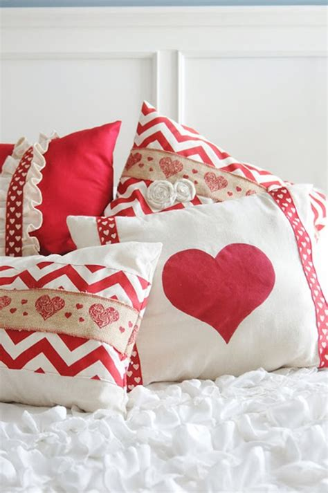 Valentines Pillows by 14 Pillows Free Sewing Tutorials