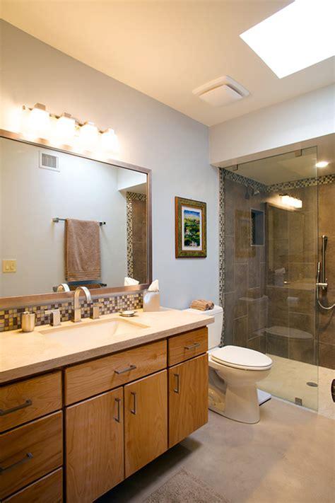 Guest bathroom tile accents vertical home garden