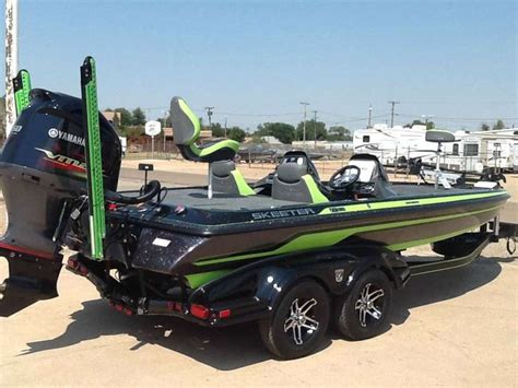 ranger bass boat wraps 18 best boat wraps and boat graphics images on pinterest