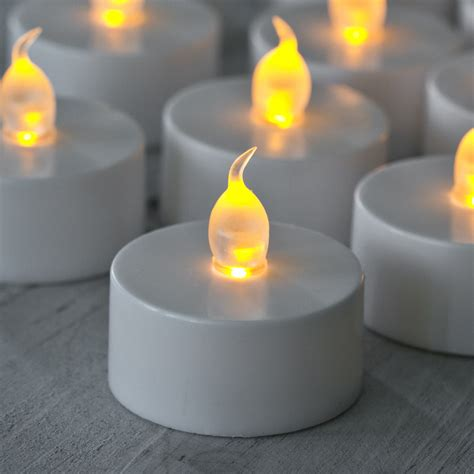 battery operated flickering lights 6 flickering led white battery tea lights lights4fun co uk