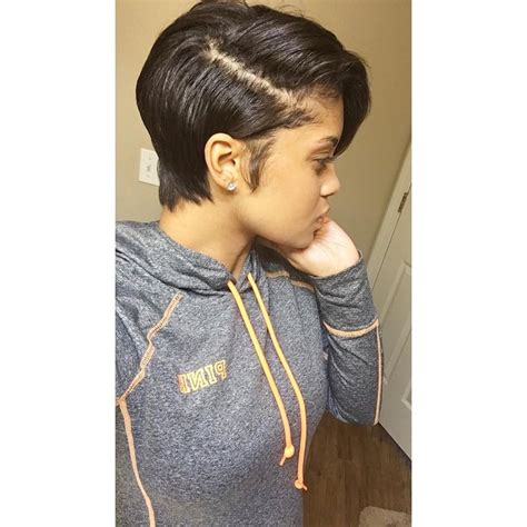 transition hairstyles for growing out short hair best 25 growing out a bob ideas on pinterest growing