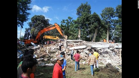 earthquake at indonesia indonesia earthquake at least 100 killed in aceh province