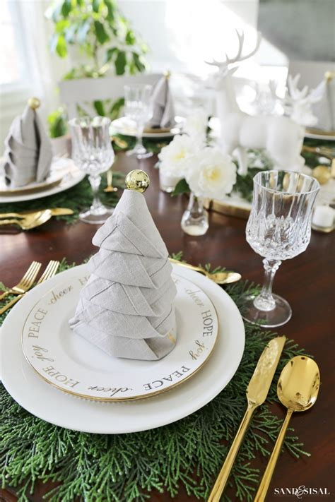dinner table setting christmas dinner tablesetting ideas sand and sisal