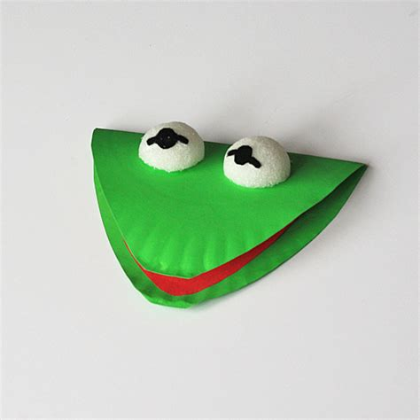 paper plate frog craft paper plate kermit the frog crafts by amanda