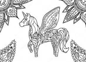 unicorno con mandala e ornamento di paisley pagina da