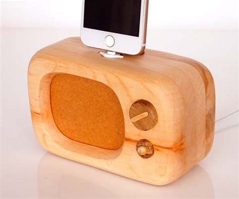 Handmade Iphone - handmade school tv shaped wooden iphone dock gadgetsin