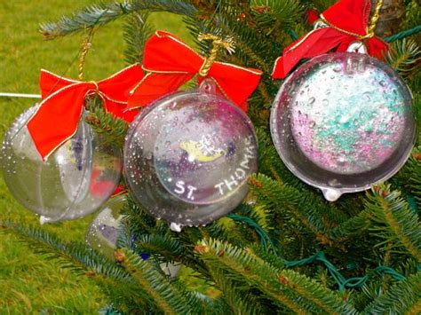 how to decorate plastic christmas ornaments