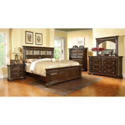 pinewood international 6 cal king bedroom set
