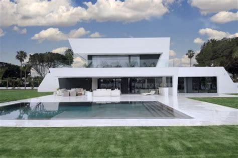 casa minimalista moderna 20 foto moderna casa lujosa y minimalista por a cero interiores