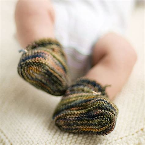 stay on booties knitting pattern stay on baby booties pattern babies baby booties and