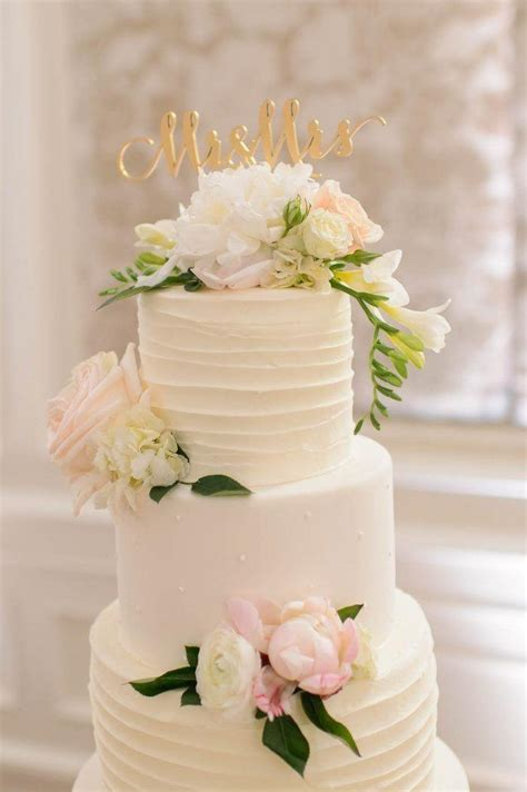 Flowers On Wedding Cakes by Awesome Fresh Flower Wedding Cake Toppers 25