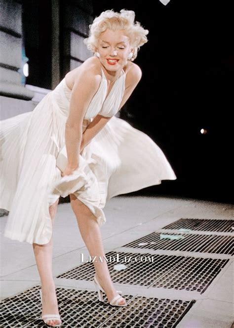 Dress Marilyn marilyn white halter pleated dress in the