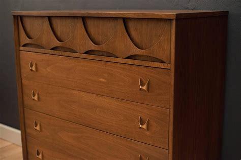 Brasilia Dresser by Mid Century Broyhill Brasilia Dresser For Sale At 1stdibs