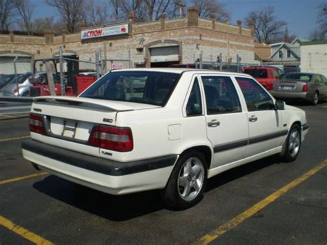 find   volvo  turbo sedan  door   forest park illinois united states