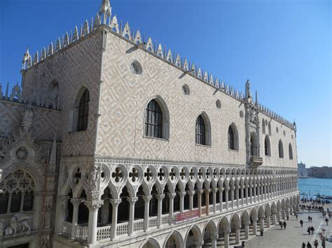 how to quot read quot venice s palaces the doge s palace venice