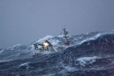 imagenes de barcos en tempestades apostolado del mar situacion pesca de altura