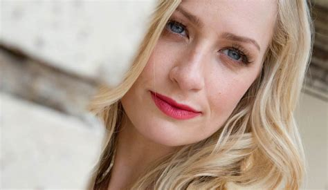 and beth 2017 beth behrs 2017
