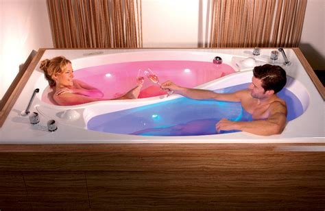 Bathtub For Couples by The Yin Yang Tub For Couples Bathing Without