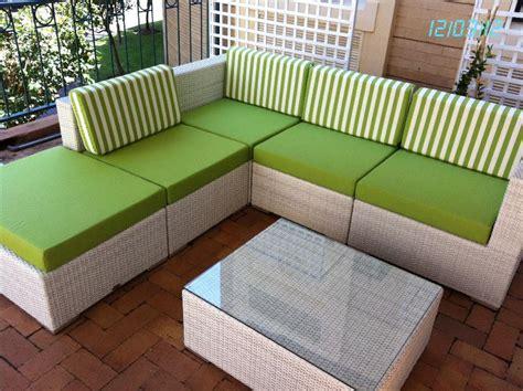 Simple Patio Design with Custom Patio Furniture Cushions