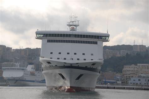 grandi navi veloci la suprema navi e armatori approdi di passione