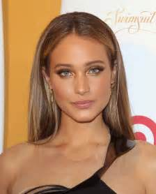 davis hair color davis sports illustrated celebrates swimsuit 2014