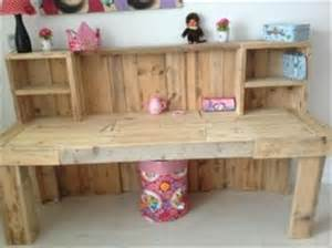 Kids Wooden Art Desk Pallet Desk Designs Pallets Designs