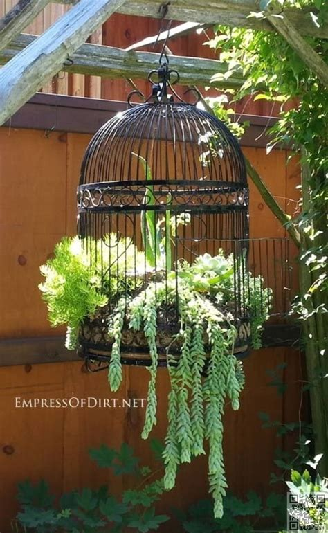 34 Best Vintage Garden Decor Ideas And Designs For 2018 Garden Gifts Ideas