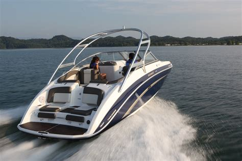 buying your boat of the road for power boaters and sailors books when is the best time to buy a new boat boat direct