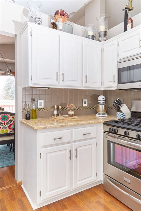 best warm white for kitchen cabinets 156 best images about paint colors for kitchens on