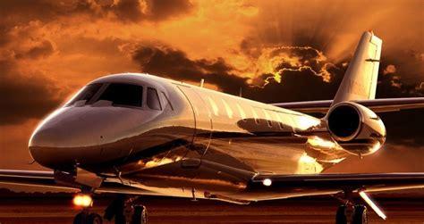 gold jet wallpaper dalla spa alla sala cinema i 5 jet pi 249 lussuosi al mondo